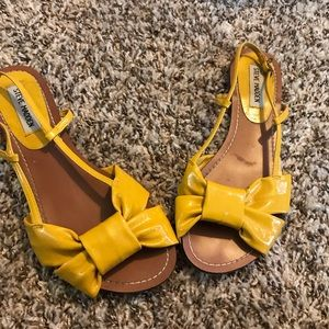 Steve Madden Yellow Bow Sandals size 6.5